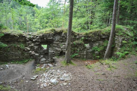 Zřícenina hradu Sokolčí