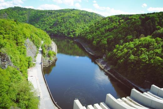 Vodní nádrž a přehrada Slapy