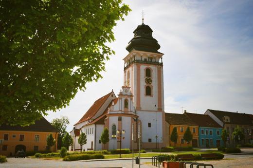 Kostel a vyhlídková věž sv. Matěje v Bechyni