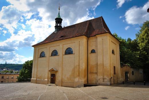 Kostel sv. Kosmy a Damiána v Emauzích