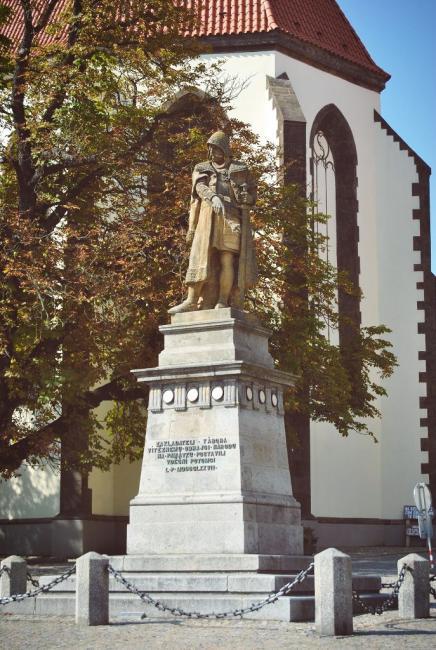 Pomník husitského vojevůdce Jana Žižky z Trocnova, který byl zhotoven slavným sochařem J. V. Myslbekem
