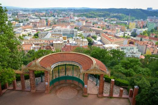 Park Špilberk s vyhlídkovým altánem