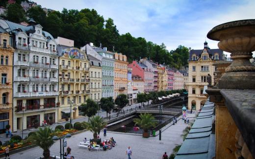 Kolonády a nábřeží v Karlových Varech