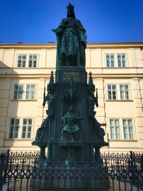 Pomník Karla IV. na Křižovnickém náměstí