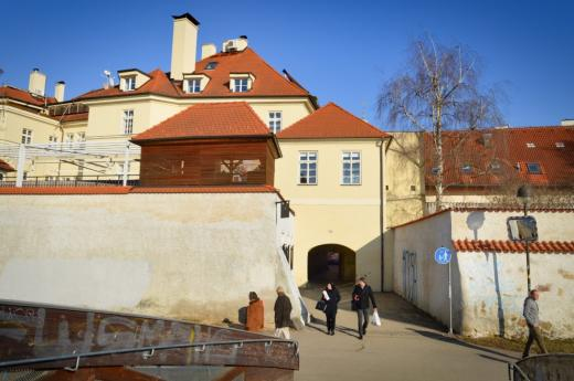 Solní brána byla součástí městského opevnění, její stavba pochází ze 13. století.