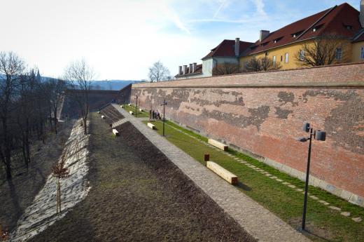 Novoměstské hradby