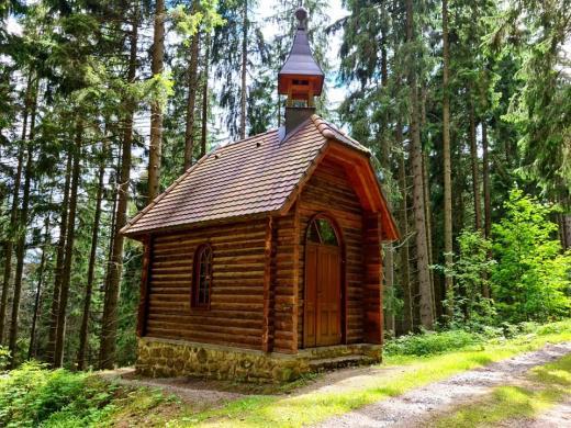 Boubínský prales - Dřěvěná kaple sv. Huberta