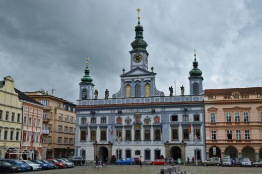 Budova radnice na náměstí Přemysla Otakara II.