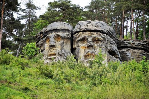 Čertovy hlavy od sochaře Václava Levého