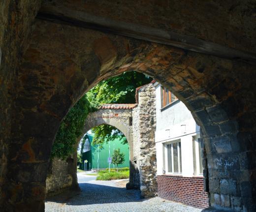 Česká brána v Bělé pod Bezdězem