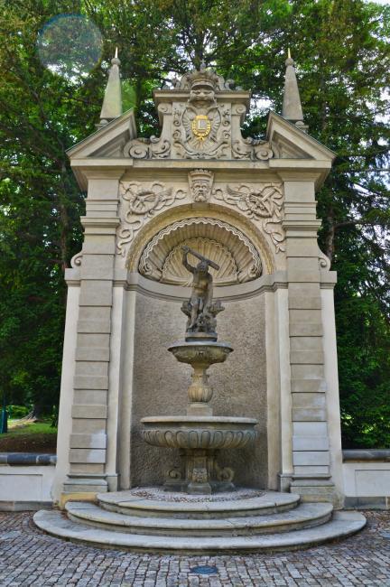 Herkules - barokní socha od J. J. Bendla v Královské zahradě