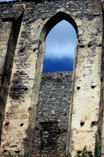 Zřícenina hradu a kláštera Kuklov
