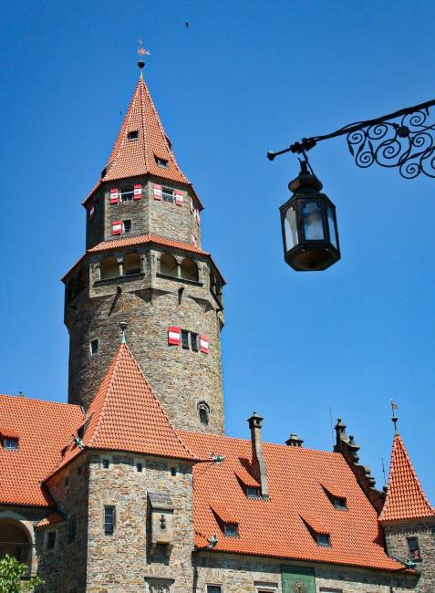 Hradní věž Bouzov