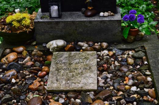 Hrob spisovatele Oty Pavla