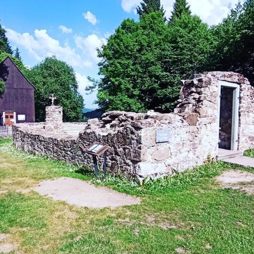 Bývalá sklářská ves Hůrka na Šumavě