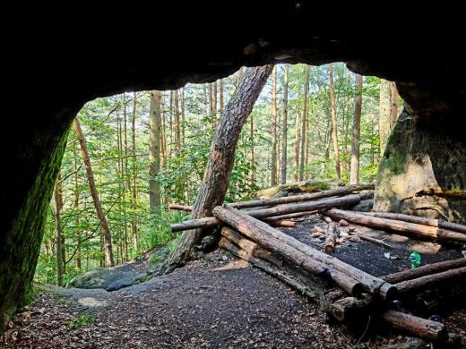 Jeskyně a skalní opevnění Kostelíček