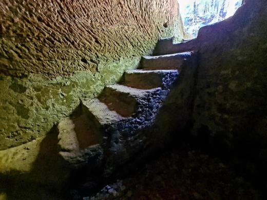 Jeskyně Rozbořenka
