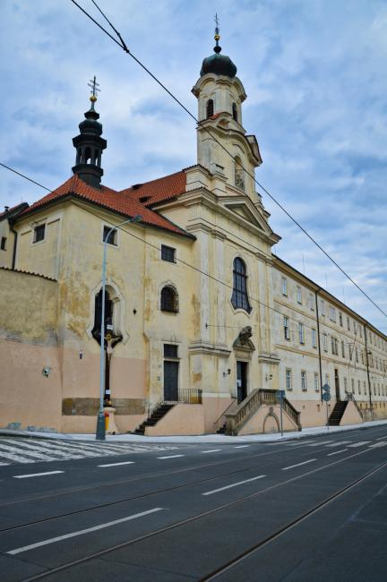 Kostel Panny Marie Bolestné a klášter alžbětinek