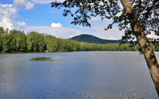 Koupaliště Sloup v Čechách u Radvaneckého rybníka