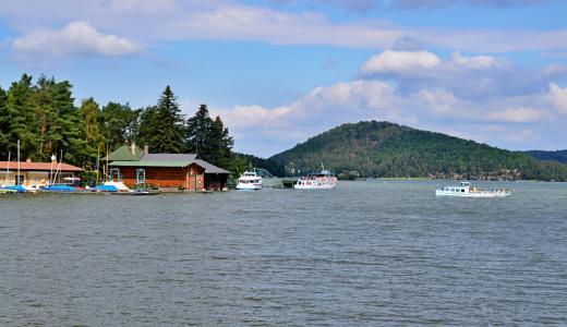 Romantické Máchovo jezero