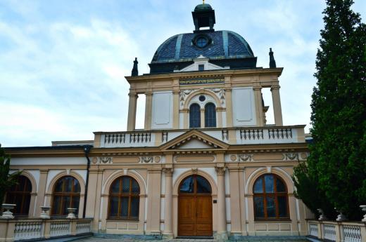 Obřadní síň navrhl architekt Bedřich Münzberger