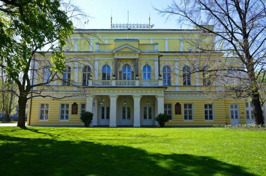 Palác Žofín na Slovanském ostrově