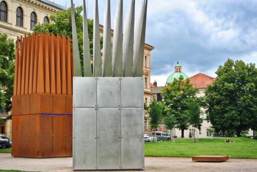 Dům sebevraha a Dům matky sebevraha (památník Jana Palacha)