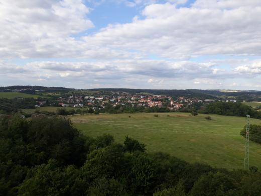 Výhled z rozhledny na Jílové u Prahy