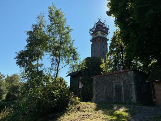 Tichánkova rozhledna na hoře Tábor