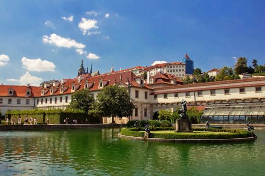 Valdštejnský palác a zahrada