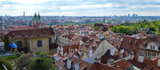 Výhled z vyhlídky na Hradčanském náměstí