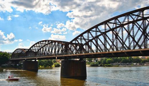 Vyšehradský železniční most