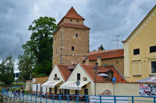 Železná panna a městské hradby v Č. Budějovicích