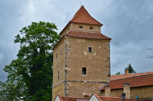 Gotická věž Železná panna