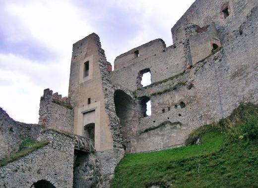 Zřícenina hradu Rabí