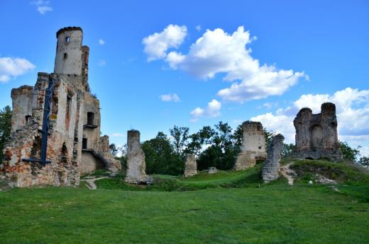 Zřícenina zámku Zvířetice